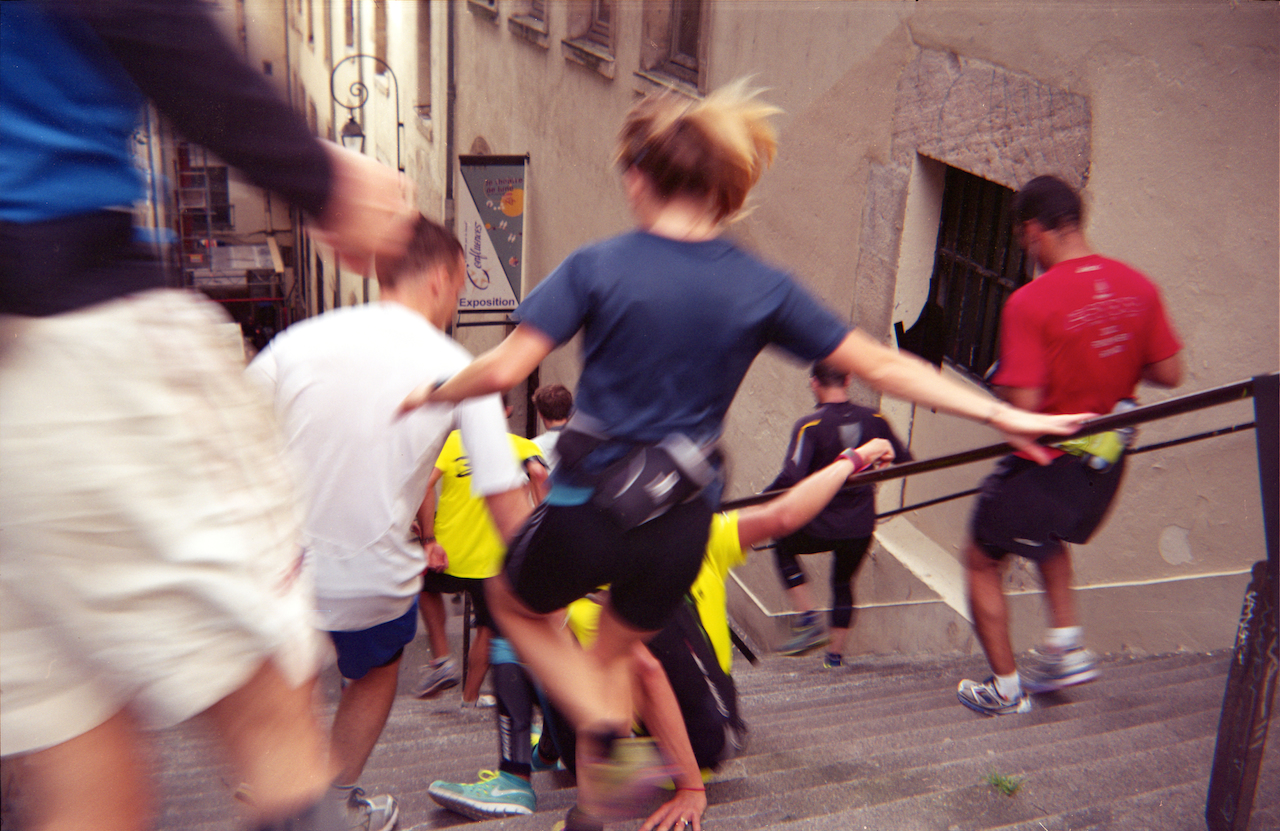 La-chute-Urban-Trail-Lyon-2015-passage-Mermet