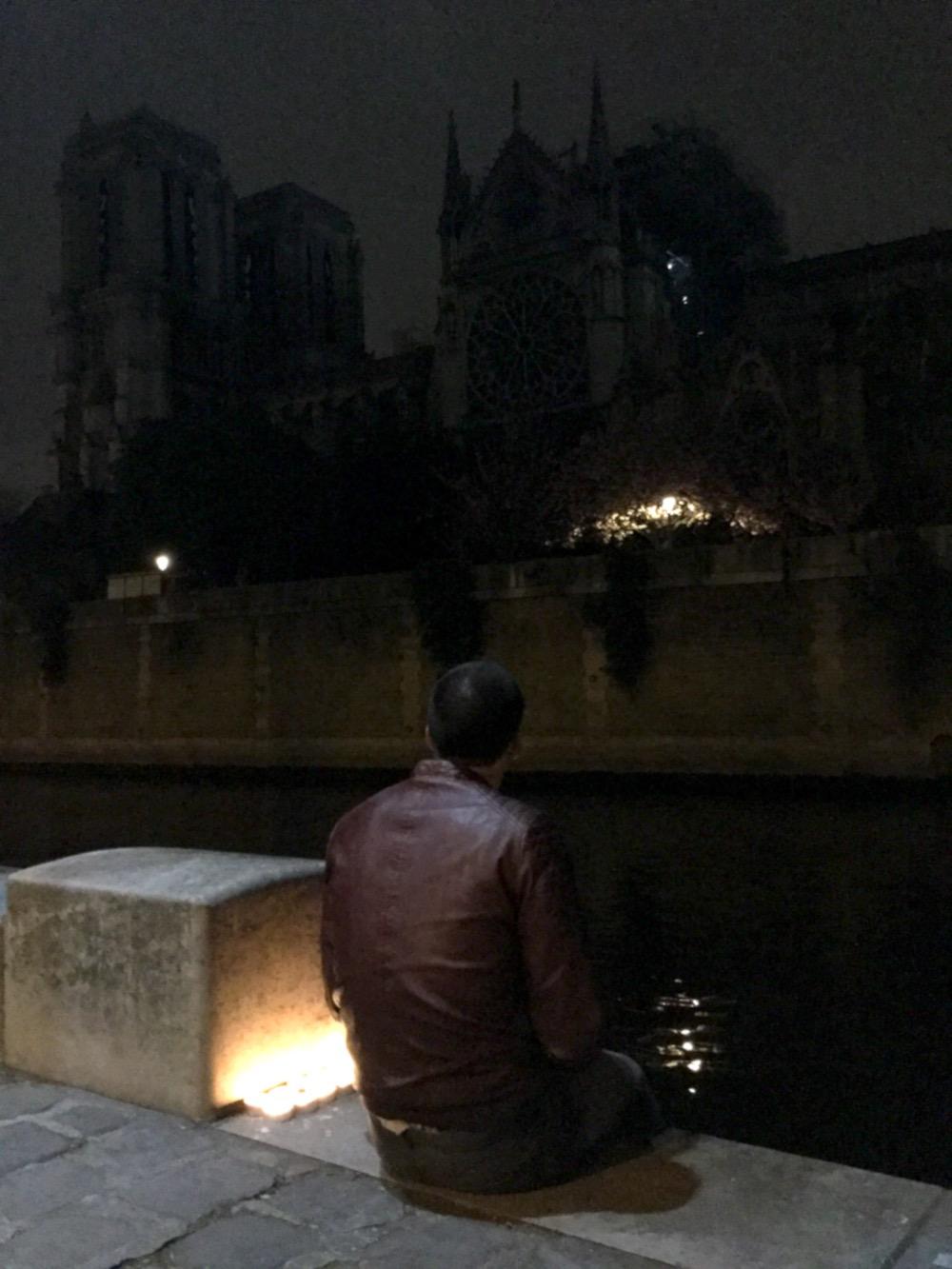 Le veilleur de Notre-Dame de Paris le lendemain de son incendie